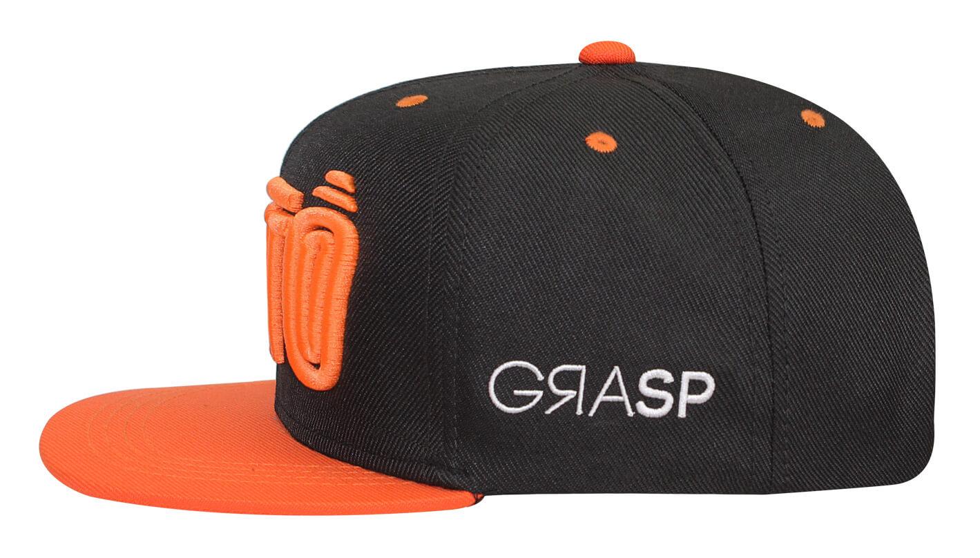 eb20e7451e Boné snapback aba reta preto e laranja - Hezzitu fábrica de bonés
