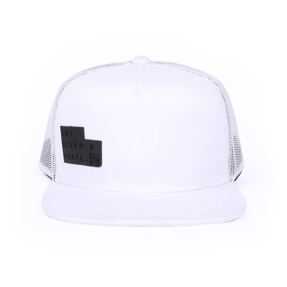 93338af14eab2 Boné aba reta de tela branco - frente · Bonés personalizados