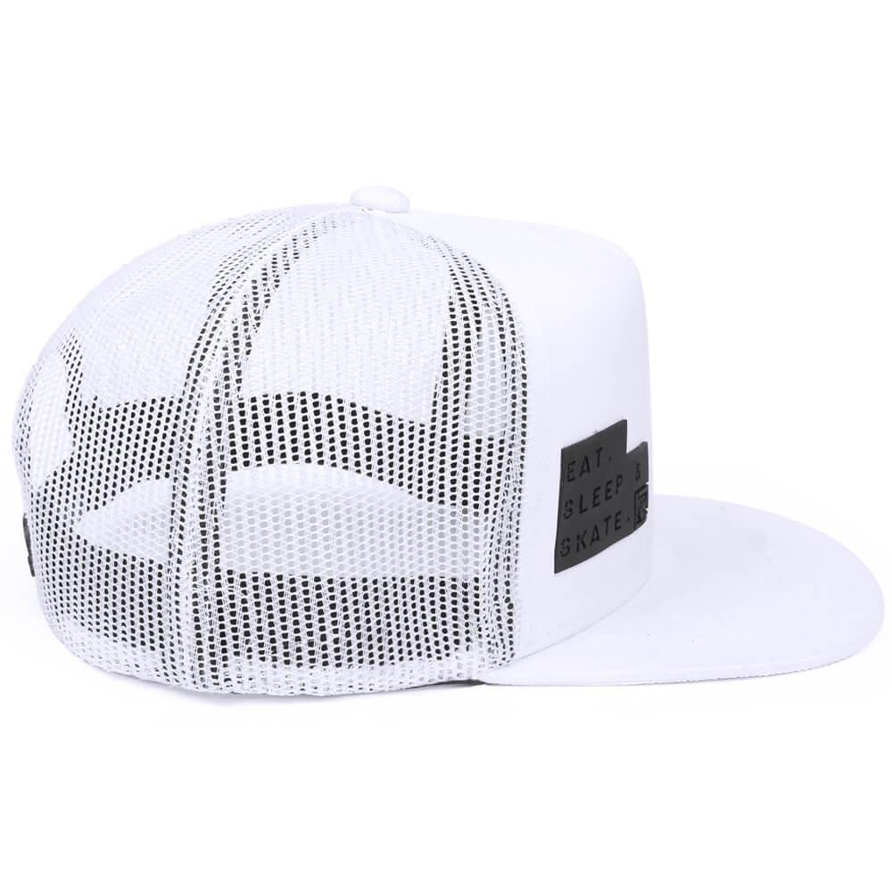 ec8f6fc8f09d9 Boné aba reta de tela branco - lateral esq. Bonés personalizados